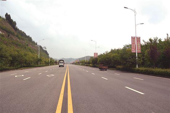四川遂宁:路畅业兴 沃土流金